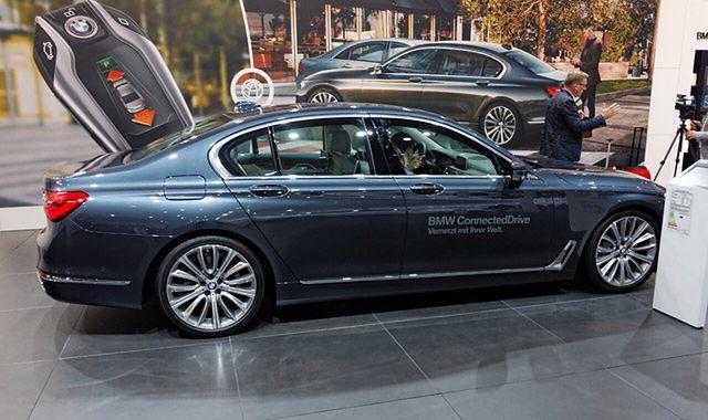 BMW serii 7: lekki luksus