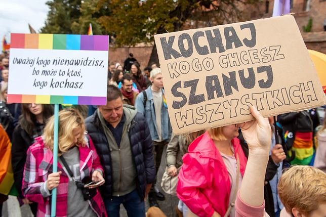 Trzeci Marsz Równości w Toruniu przeszedł w sobotę ulicami miasta