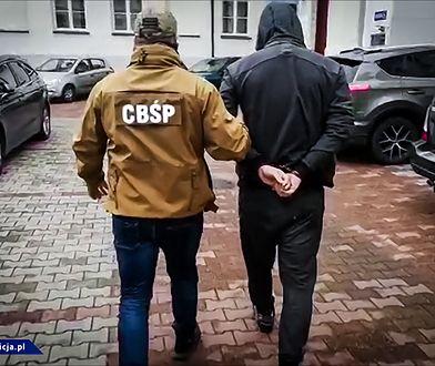 Niemcy. Okradali i grozili właścicielowi mieszkania. 3 Polaków aresztowanych