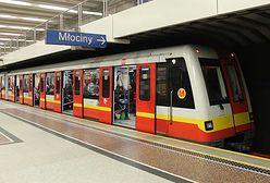 Metro Warszawskie. Duże utrudnienia. Zamknięta jedna stacja