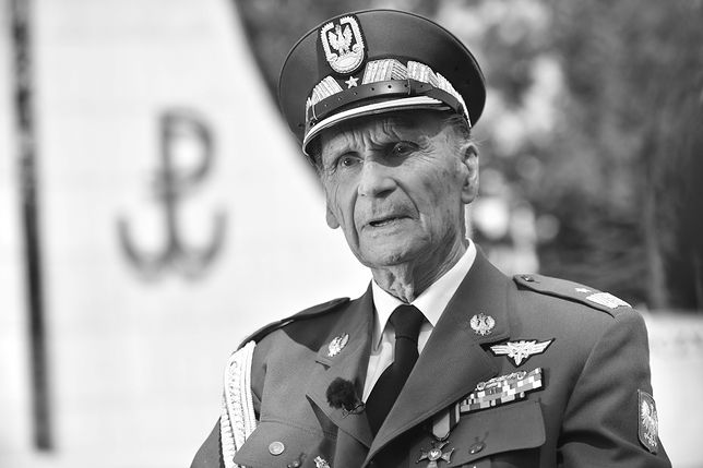 W sieci pojawiły się zdjęcia aktualnego stanu pomnika generała