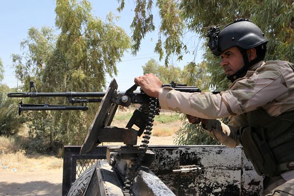 Do irackich sił bezpieczeństwa zaciągają się ochotnicy, którzy chcą walczyć z sunnickimi bojownikami