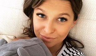 """Wzruszona Lewandowska publikuje zdjęcie córki. """"Miłość rozczula"""""""
