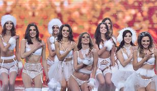 Uczestniczki konkursu piękności podczas występu