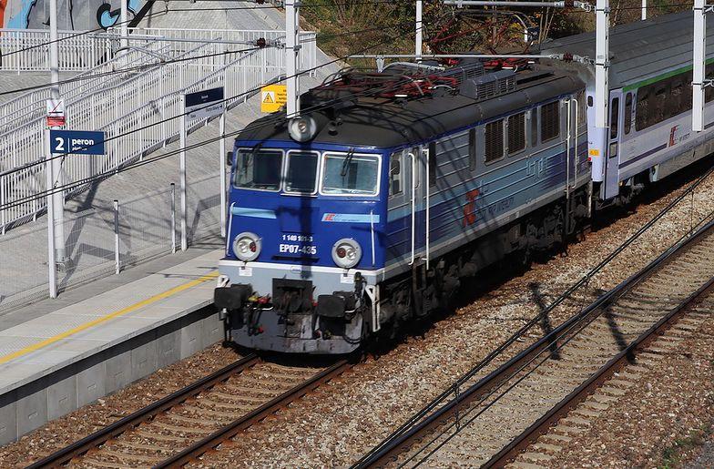 Lokomotywa zderzyła się z pociągiem PKP Intercity. Są ranni