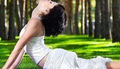Asany jogi, które powiększają piersi