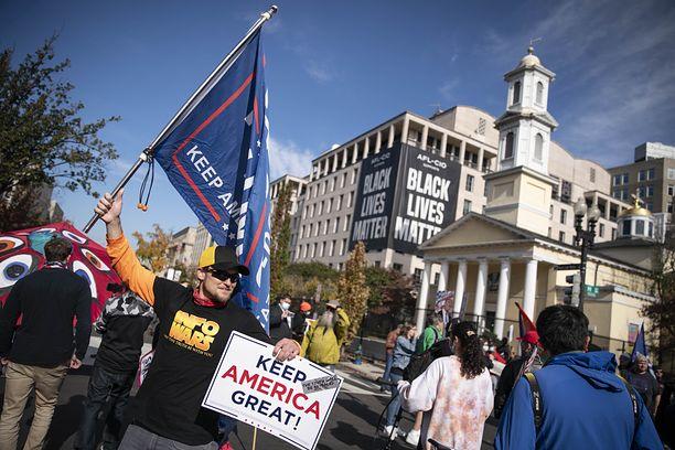 Wybory w USA. Manifestacje w obronie Donalda Trumpa w Waszyngtonie