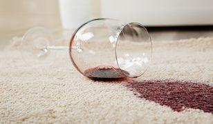 Domowe sposoby na wywabianie plam – lepszy kwasek cytrynowy czy soda oczyszczona?