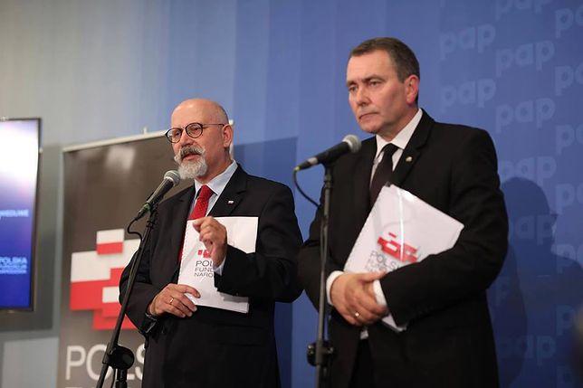 Polska Fundacja Narodowa nie radzi sobie z obroną kontrowersyjnej kampanii informacyjnej w sprawie sądów.