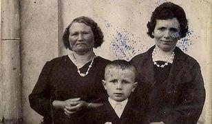 Po lewej mama Franciszki i Marianny Urawskich.