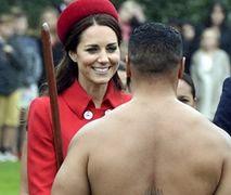 Oryginalne przywitanie Kate i Williama