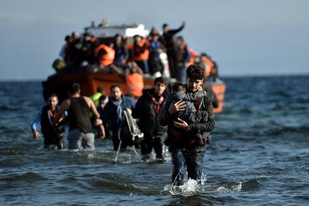 Masowa migracja z Turcji do Grecji po nieudanym puczu. Przyjechało już 10 tys. osób