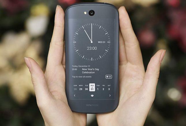 YotaPhone 2 - z przodu wyświetlacz, a z tyłu... też wyświetlacz