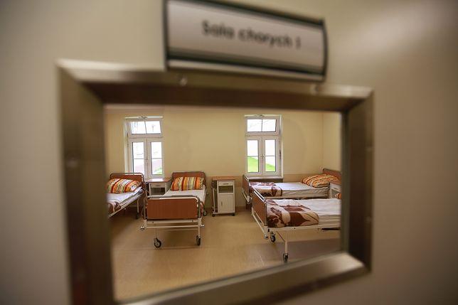 Sale w szpitalu psychiatrycznym są pod stałym nadzorem