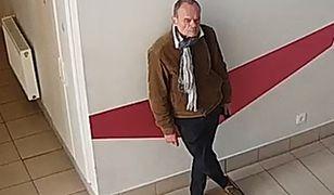 Osoby, które rozpoznają tego mężczyznę, proszone są o kontakt z policją
