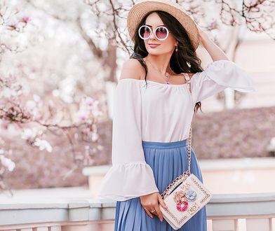 3 modne stylizacje na lato ze spódnicą plisowaną w roli głównej
