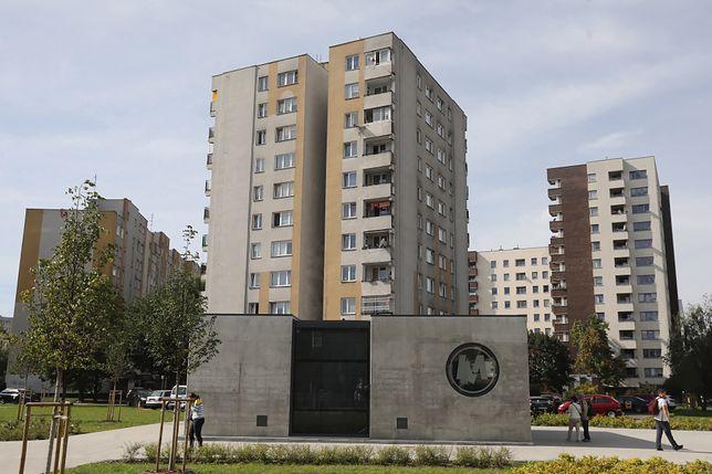 Warszawa. Z bloku na Targówku wypadł czteroletni chłopiec [zdj. ilustracyjne]