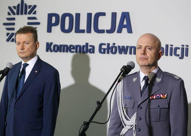 Szef MSWiA Mariusz Błaszczak (L) i Jarosław Szymczyk, Komendant Główny Policji