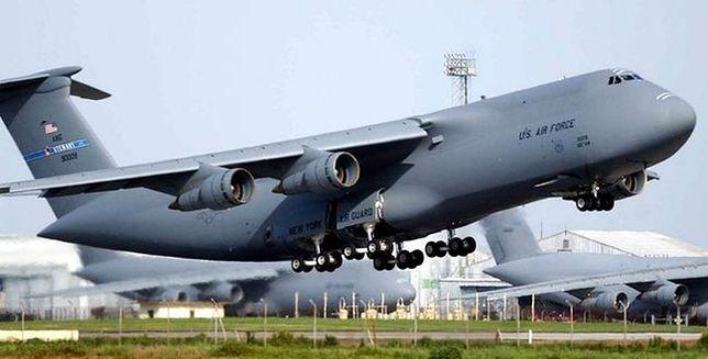 """Lockheed C-5 Galaxy contra An-124 """"Rusłan"""" - pojedynek gigantów"""