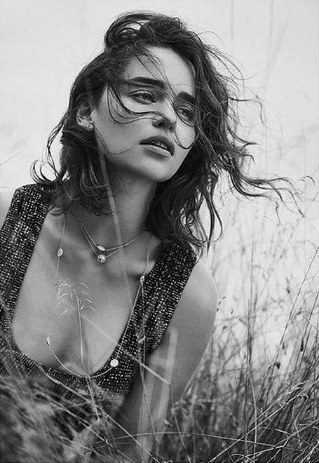 Emilia Clarke dla Dior Magazine