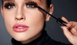 #beautytest: Zdjęłaś sztuczne rzęsy i czujesz się nieswojo? Te tusze wyczarują włoski XXL