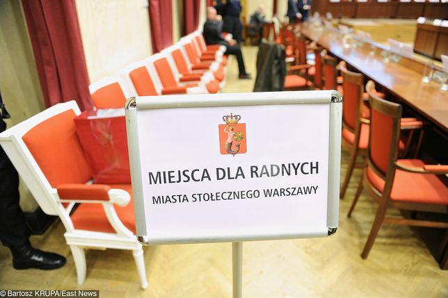 Warszawscy radni nie upamiętnią Jana Pawła II. PO-KO odrzuciła projekt