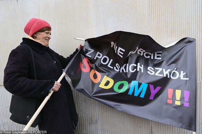 Burza podczas sesji Rady Warszawy. Politycy kłócą się o Kartę LGBT+