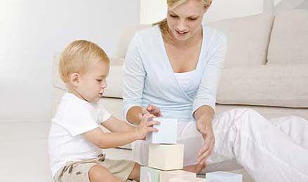 Opiekunka dziecięca z dyplomem czy bez?