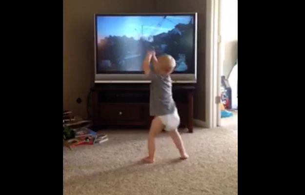 To wideo podbija sieć. Malutki chłopiec ćwiczy wraz z Rockym Balboa