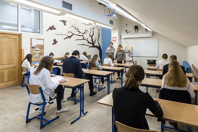 Warszawa. Uczniowie mogą liczyć na pomoc specjalistów