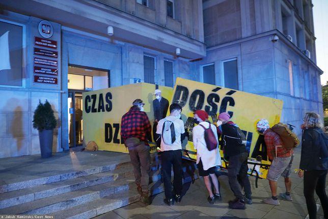 Warszawa. Akcja Greenpeace pod Ministerstwem Aktywów Państwowych