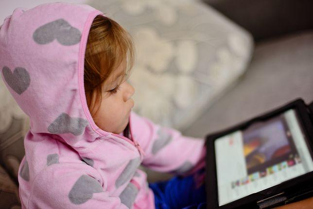 Uważaj gdy dziecko korzysta z twoich urządzeń
