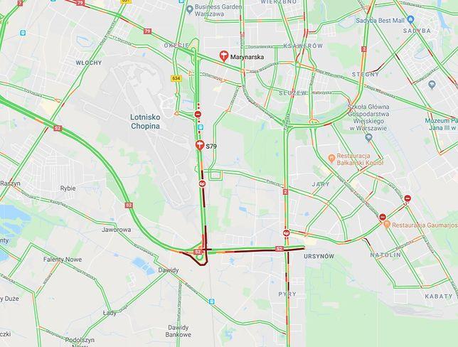 Warszawa. Kompletnie zablokowana trasa przy lotnisku Chopina