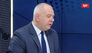 """""""Szaleństwo nie zna granic"""". Jacek Sasin odpowiada Bartłomiejowi Sienkiewiczowi ws. kolizji SOP"""