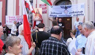 Poznaniacy zgorszeni zachowaniem zwolenników Pomnika Wdzięczności proponują referendum