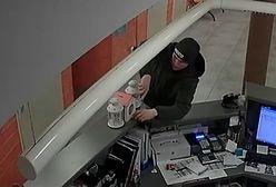 Ktoś się nie bał i ukradł... skarbonkę. Szuka go policja, poznajesz?