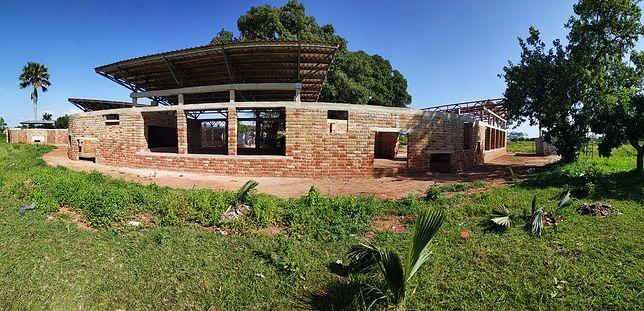 Polacy budują szkołę w Tanzanii. Dołącz do zbiórki na PolakPotrafi.pl