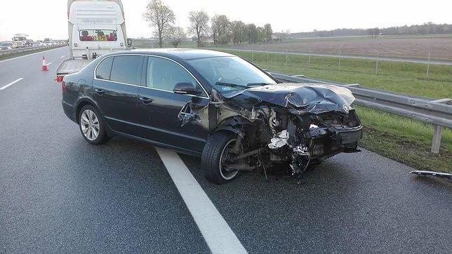Tak wyglądało auto generała po zderzeniu na A2. Jest oświadczenie MON
