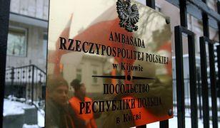 Ukraina. Protest przed polską ambasadą w Kijowie