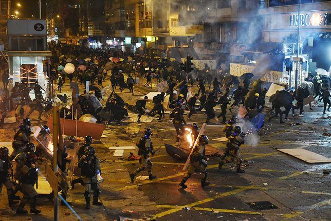 Protesty w Hongkongu przybierają na sile