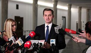 Chemsex i pieniądze z warszawskiego ratusza. Sebastian Kaleta ujawni raport.