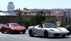Podrobione Ferrari i Astony Martiny zatrzymane przez policję