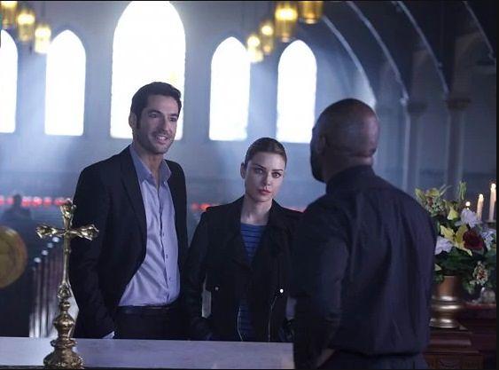 Lucyfer sezon 1, odcinek 9: Przychodzi ksiądz do baru (A Priest Walks Into A Bar)