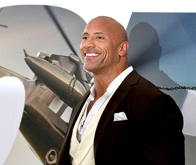 """Dwayne """"The Rock"""" Johnson zarobił przez rok 89,4 mln dol."""