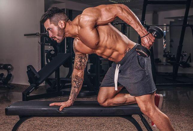 Mezomorfik charakteryzuje się atletyczną budową ciała.