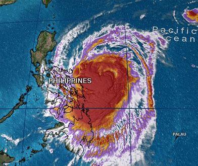 Zaprezentowana wizualizacja pokazuje, że tajfun obejmie ogromną część Filipin