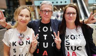 Anita Czarniecka, Sława Rafalak oraz Marek Flizikowski protestują m.in. przeciw reformie edukacji