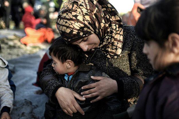 Uchodźczyni na greckiej wyspie Lesbos