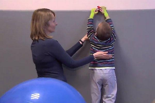 2-letni Adaś z Racławic stanął na nogi. W lutym może wyjść ze szpitala