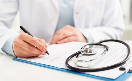 W świąteczny dyżur jeden lekarz przyjmuje nawet 200 pacjentów. Powód? Przepisy i braki kadrowe